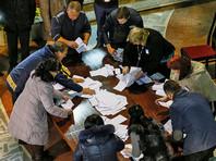 Для победы в первом туре кандидату в президенты Молдавии необходимо было набрать 50% плюс один голос, однако Додон получил 48,6%, Санду - 38,03%. Всего на пост президента претендовали девять кандидатов