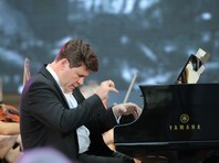 В Бостоне прошла акция протеста против концерта российского пианиста Мацуева