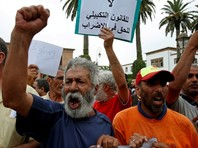 Волна митингов прокатилась по Марокко из-за гибели торговца, пытавшегося защитить свой промысел от властей