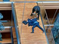 Кандидат в лидеры партии националистов Британии госпитализирован с травмой головы после драки с единомышленниками в Европарламенте