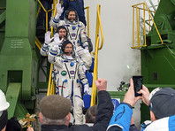 Основной экипаж: космонавты Роскосмоса Сергей Рыжиков и Андрей Борисенко, астронавт NASA Роберт Шейн Кимброу
