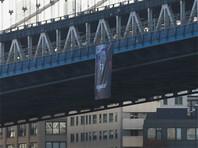 В день рождения президента РФ в разных точках мира появились изображения Путина-миротворца (ФОТО)