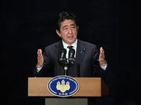 Это уже не первый раз, когда японские СМИ пишут о возможности компромиссов, хотя официальная позиция премьера Синдзо Абэ заключается в том, что Япония собирается требовать возврата всех четырех островов