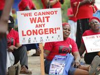 """Экстремистская группировка """"Боко Харам"""" из Нигерии освободила из плена 21 девушку, которые были похищены два года назад из города Чибок"""