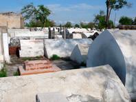 """По данным журналистов, 44-летняя женщина была отравлена и умерла 5 ноября. Ночью того же дня она была похоронена на кладбище """"Минор"""" в Ташкенте, а ее могилу сровняли с землей"""