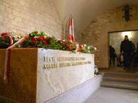 В Польше эксгумировали останки президента Леха Качиньского и его жены, погибших в авиакатастрофе под Смоленском