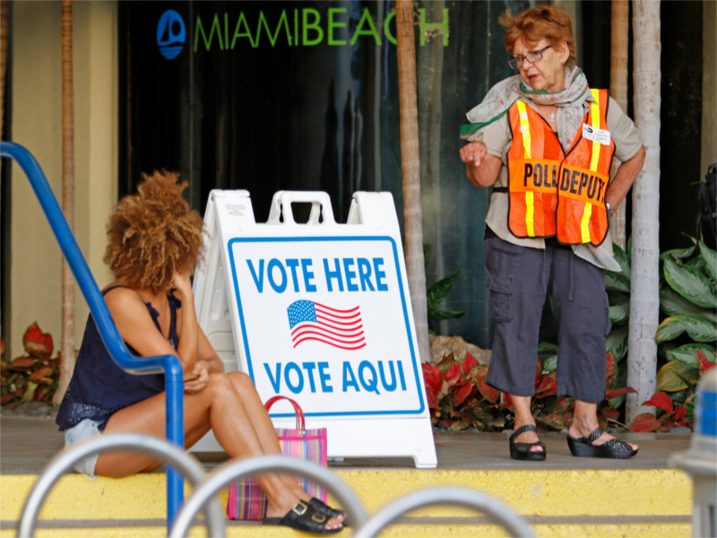 У избирательного участка в США