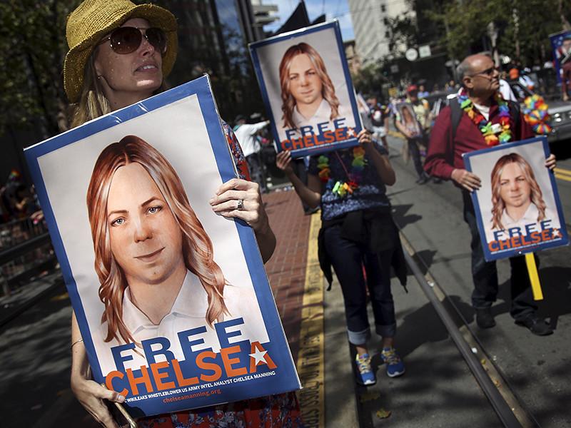 Информатор WikiLeaks, бывший американский рядовой Брэдли Мэннинг, ныне известный как Челси Мэннинг, пытался второй раз покончить жизнь самоубийством