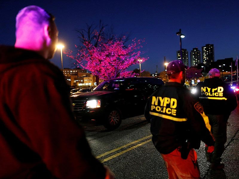 В Нью-Йорке в перестрелке погиб полицейский