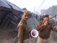 Крушение поезда в Индии: число жертв достигло 100