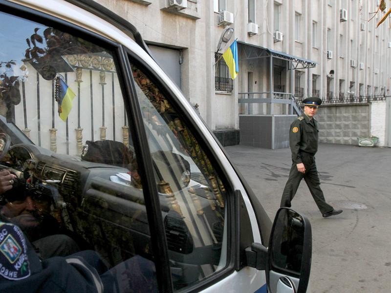 Начальник департамента защиты национальной государственности Службы безопасности Украины (СБУ) Анатолий Дублик заявил в пятницу, 11 ноября, на брифинге в Киеве, что российские спецслужбы готовят мероприятия по масштабной дестабилизации ситуации на Украине