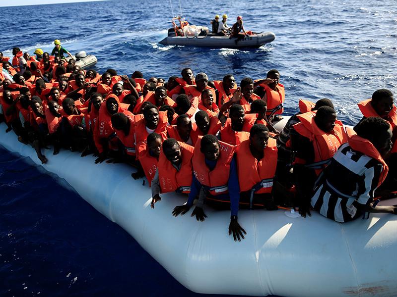 Число мигрантов, прибывших с начала года в страны Европы по Средиземному морю превысило 335 тысяч человек