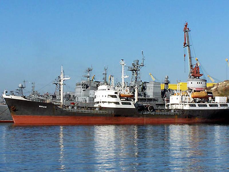 Минобороны РФ в октябре заявило о намерении создать постоянную военно-морскую базу в сирийском Тартусе. Замминистра обороны Николай Панков сообщил тогда, что документы готовы и проходят межведомственное согласование