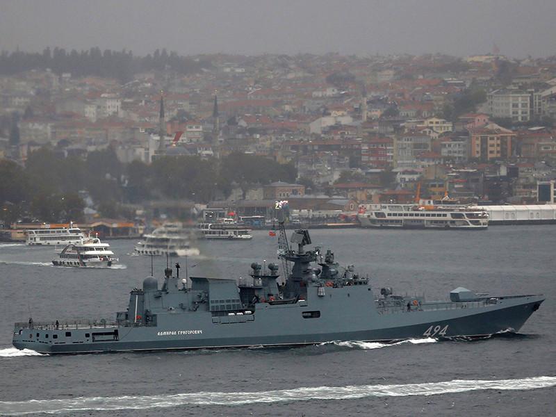 """Фрегат """"Адмирал Григорович"""" совершил пуски крылатых ракет, а самолеты Су-33, находящиеся на борту крейсера """"Адмирал Кузнецов"""", нанесли удары по позициям террористов в Сирии"""