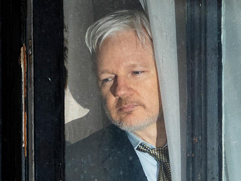 В посольстве Эквадора в Лондоне начался допрос Ассанжа по делу об изнасиловании