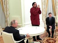 Я видел, что вы дали паспорт Стивену Сигалу, так что надеюсь, что быть российским агентом столь же важно, как обучать россиян боевым искусствам