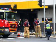 Неизвестный поджег себя в здании банка в Мельбурне, 27 человек пострадали