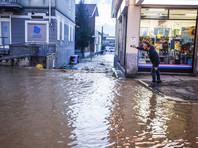 Несмотря на то, что дожди прекратились в большей части страны, власти оставили действующим самый высокий, красный, уровень опасности в Калабрии на юге и в некоторых районах Ломбардии и Эмилии-Романьи на севере страны
