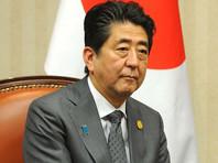 В Китае после протестов Японии из торгового центра убрали статую Абэ с усами Гитлера