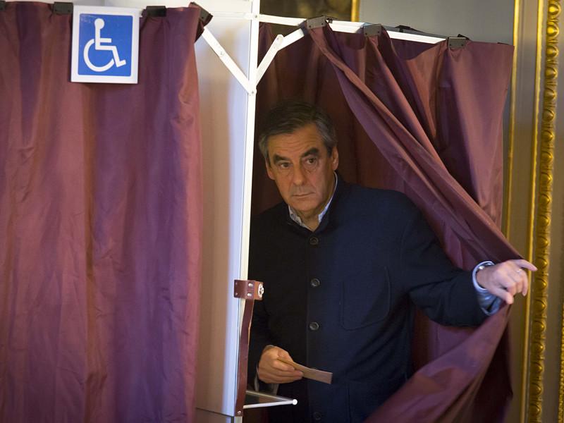 В первом туре больше всех голосов получил Франсуа Фийон