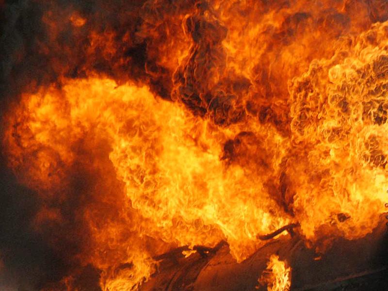 Число погибших в результате взрыва бензовоза на западе Мозамбика, неподалеку от границы с восточноафриканским государством Малави, достигло 80 человек после того, как за выходные скончались семеро тяжело раненых