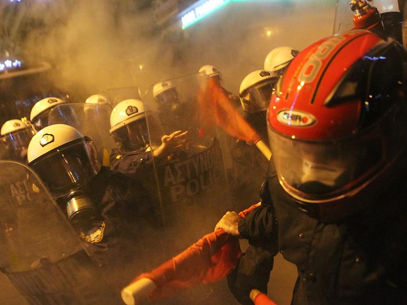 В Афинах полиция разогнала толпу протестующих против визита Обамы