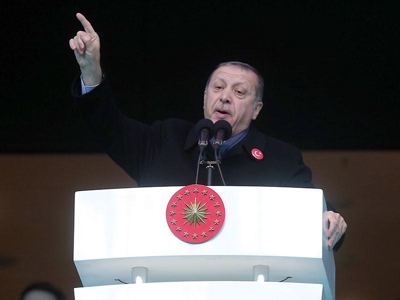 """Президент Турции Реджеп Тайип Эрдоган заявил, что у него есть доказательства причастности коалиции, возглавляемой США, к поддержке боевиков запрещенной в России организации """"Исламское государство"""""""