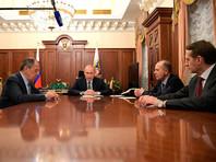 Совещание с Министром иностранных дел Сергеем Лавровым (слева), директором Службы внешней разведки Сергеем Нарышкиным (справа) и директором Федеральной службы безопасности Александром Бортниковым, 19 декабря 2016 года