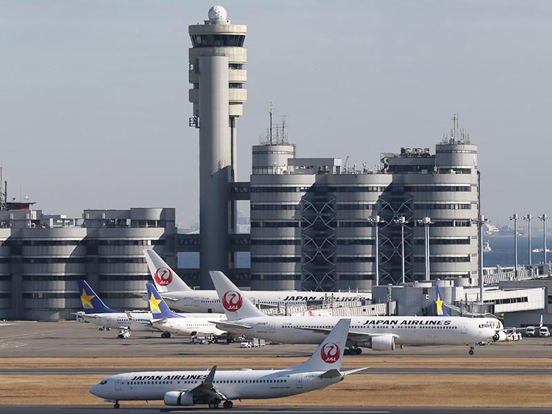 Службы безопасности аэропорта Токио в среду не пустили нескольких российских журналистов на авиарейс в аэропорт Убэ, придравшись к техническим параметрам видеокамеры японского производства