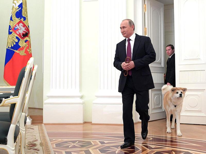 Российский президент Владимир Путин четвертый раз подряд возглавил рейтинг самых влиятельных людей мира американского журнала Forbes, состоящий из 74 человек