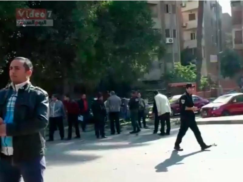 При взрыве в Каире погибли шесть полицейских, еще трое получили ранения