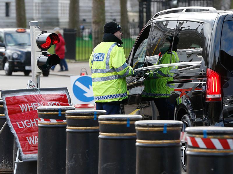 В столице Великобритании Лондоне в канун празднования Нового года появилось рекордное количество бетонных барьеров на улицах