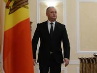 Новый президент Молдавии освятил свою резиденцию и избавился от флага ЕС