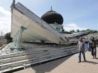 В Индонезии в результате землетрясения погибли десятки человек