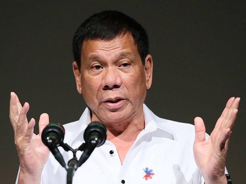 Президент Филиппин Родриго Дутерте опроверг собственное заявление о том, что он якобы сбрасывал людей с вертолета