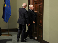 В Варшаве протестующие заблокировали в здании парламента лидера правящей партии