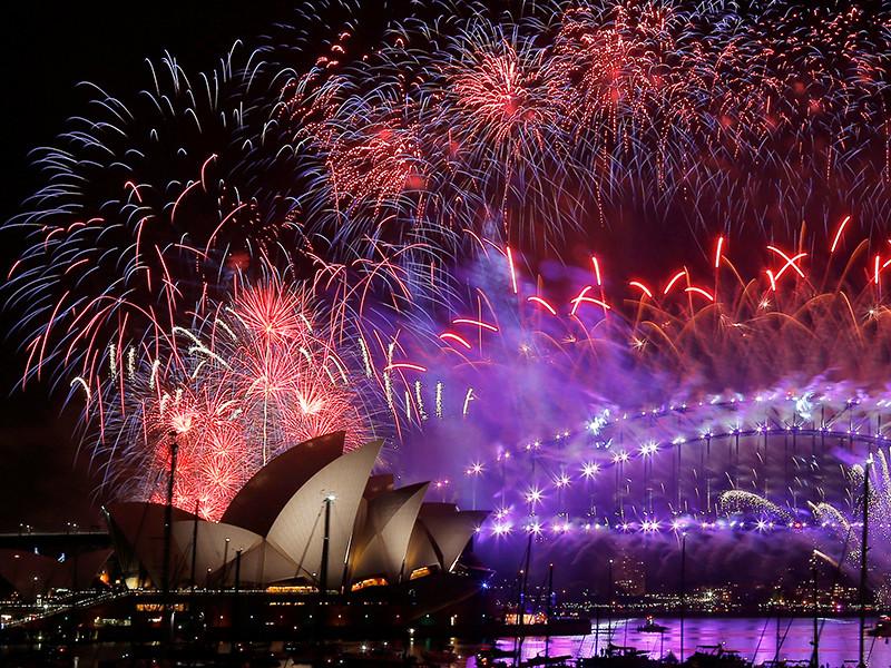 Мир встречает Новый год грандиозными фейерверками