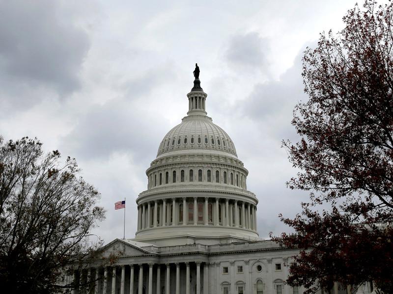 """Сенат запретил Пентагону военное сотрудничество с РФ и призвал Трампа занять """"жесткую позицию"""" по отношении к России"""