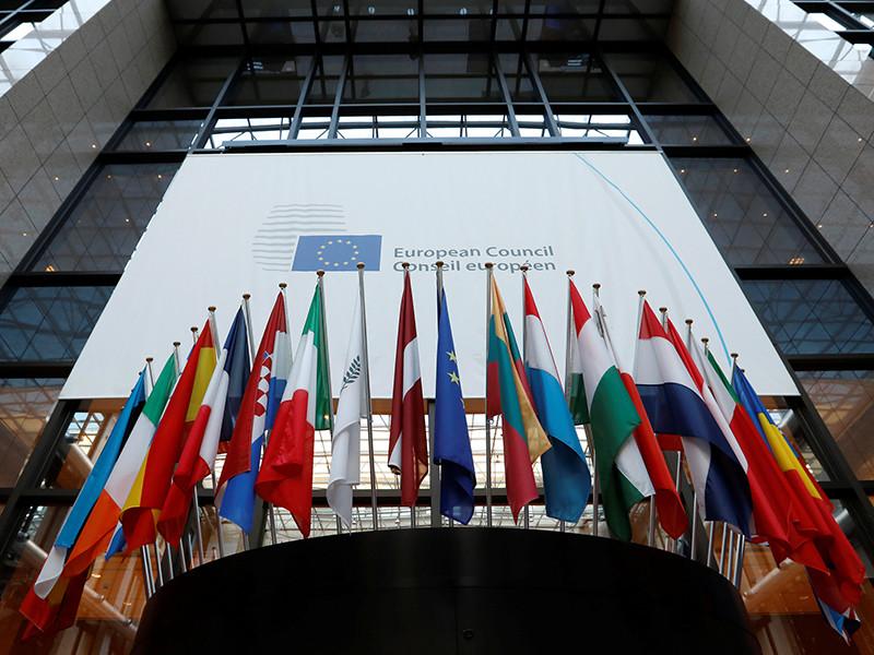 Лидеры Евросоюза на полгода официально продлили срок действия международных санкций, введеных против России из-за ситуации на территории юго-востока Украины, - до 31 июля 2017 года