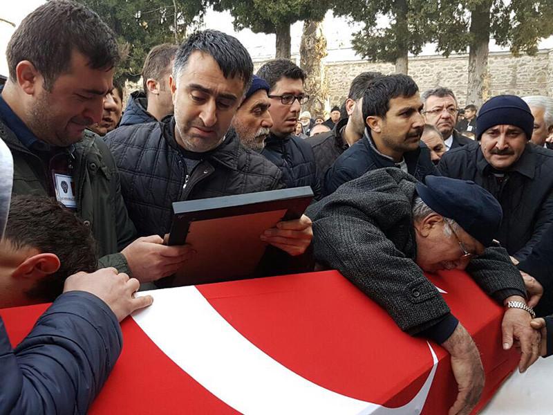 Число жертв теракта в Стамбуле возросло до 44 человек - еще накануне сообщалось о 38 погибших