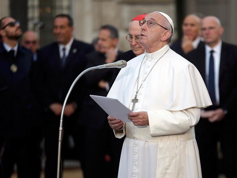Ватикан объявил о том, что по просьбе Папы Римского Франциска католики Европы собрали около 12 миллионов евро в качестве гуманитарной помощи более чем 2 миллионам человек в восточных регионах Украины