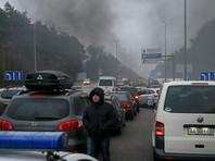 На Украине владельцы автомобилей с иностранной регистрацией частично перекрыли пять трасс в Киев