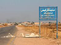 Он активно занимался деятельностью организации в сфере медиа и разведки в Эль-Фаллудже, а затем перебрался в Ракку. Также Аль-Исави контролировал распределение денег ИГ и передачу инструкций руководителей организации на подконтрольные ей территории