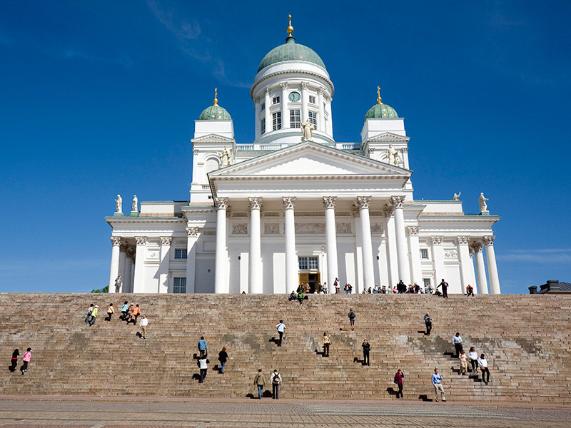 Финляндия вошла в 2017 год в качестве первой страны мира, где некоторые граждане получают базовый доход - безусловные выплаты от государства, которые не зависят от их дохода или социального статуса
