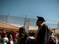 Протестующие против роста цен на бензин захватили КПП на границе США и Мексики