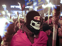 Сотни поклонников Бандеры вышли на факельное шествие в центре Киева