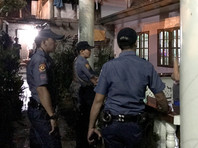Президент страны Родриго Дутерте пообещал, что война с наркотиками будет продолжаться до окончания его срока в 2020 году, но сейчас активные действия приостанавливаются из-за коррумпированности полицейских