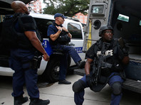 Двое неизвестных устроили стрельбу в торговом центре Техаса
