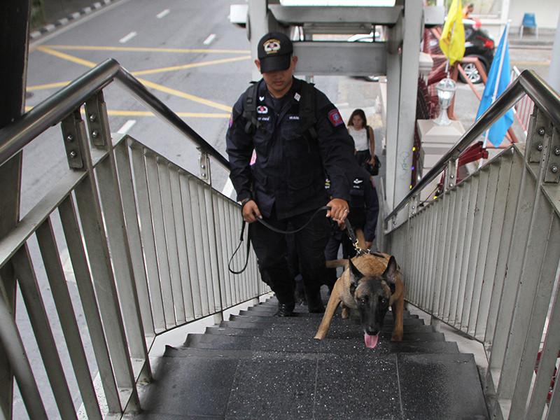 Полиция Таиланда расследует случай гибели гражданина России на острове Пхукет. Труп мужчины обнаружили накануне, 26 января, в доме, который он снимал вместе с женой в городке Чернг Талай