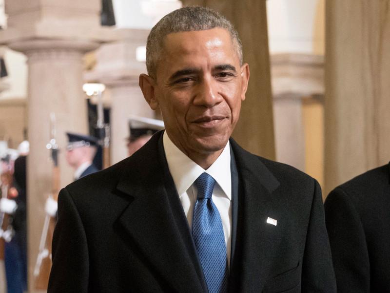 Обама поддержал протестующих против миграционного указа Трампа